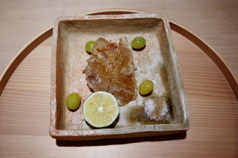 モウカザメ(ネズミザメ)のフカヒレ揚げ
