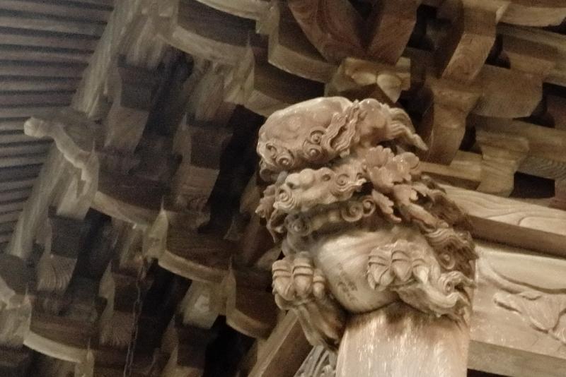 鐘楼堂の獅子