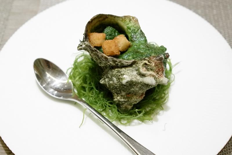 サザエ、椎茸、筍、蛤のスープ「銀座大石」