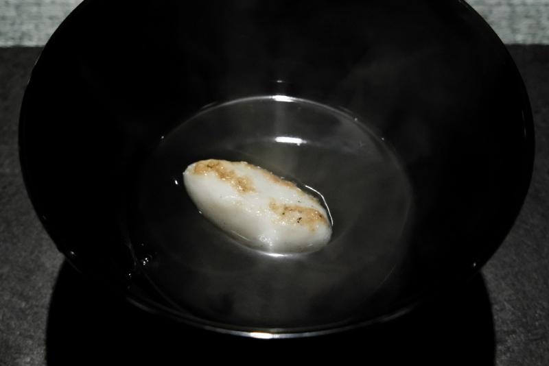 愛媛県藤本漁師の神経締の鱧のコンソメ
