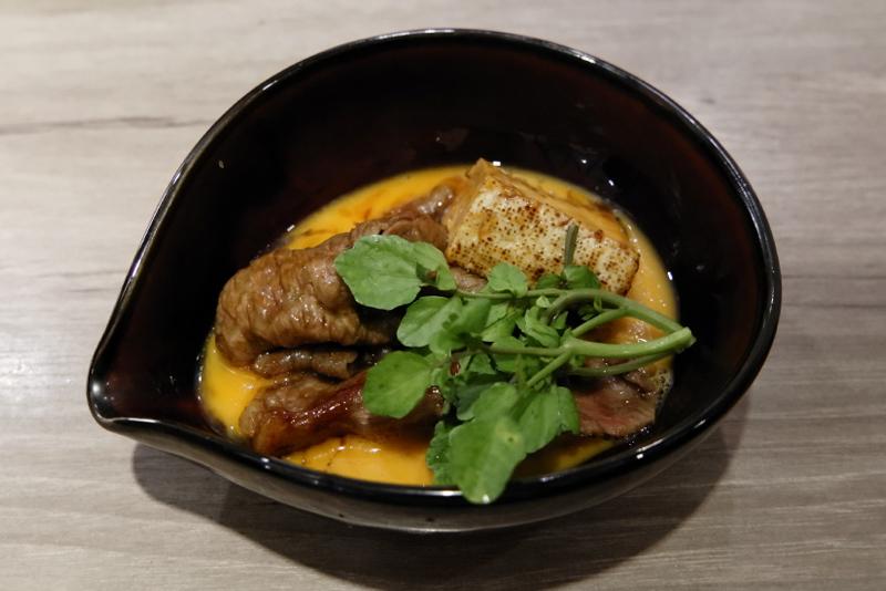 松坂牛サーロインのすき焼き