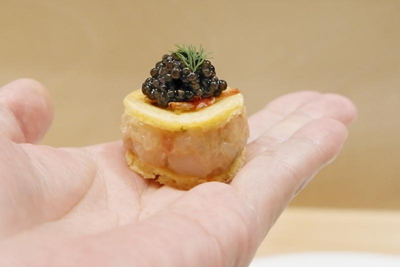 甘海老、帆立、燻製キャビアのグジェール