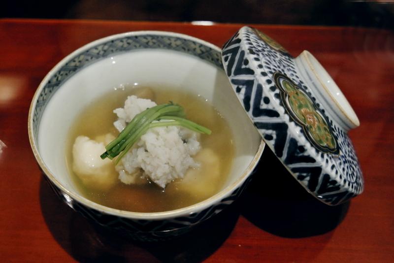 鱧、海老真薯、原木ナメコ、蕪の鍋
