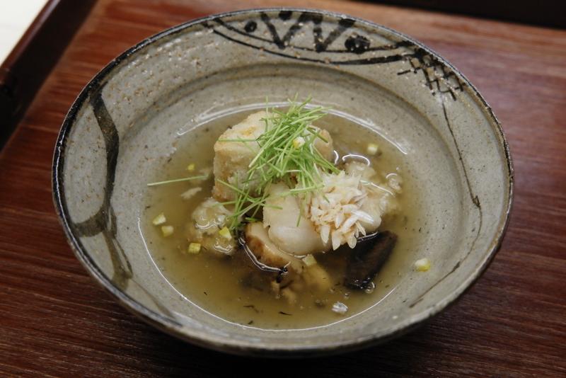 甘鯛鱗焼き、海老芋唐揚げ、香茸と花びら茸のスープ