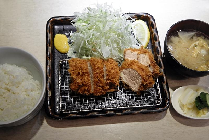 特ヒレ豚かつ定食