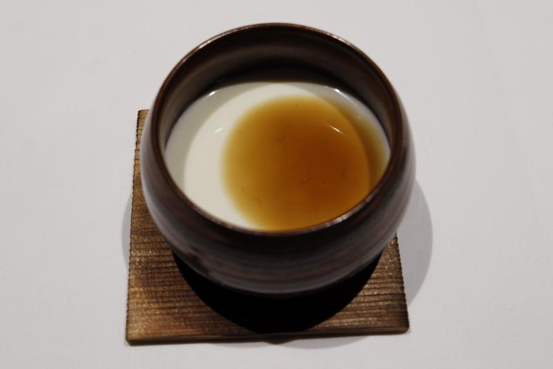 クリーミー杏仁豆腐 沖縄県産黒糖ソース