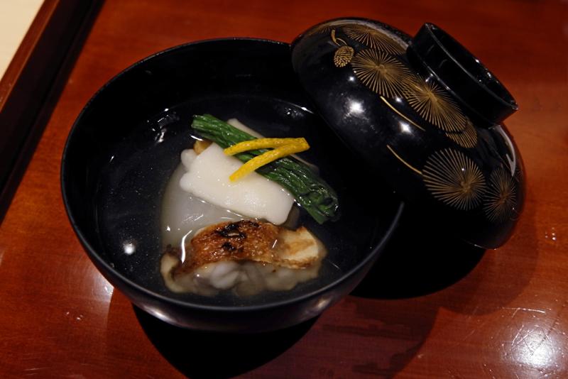 淀大根、甘鯛、壬生菜、唐墨餅の椀