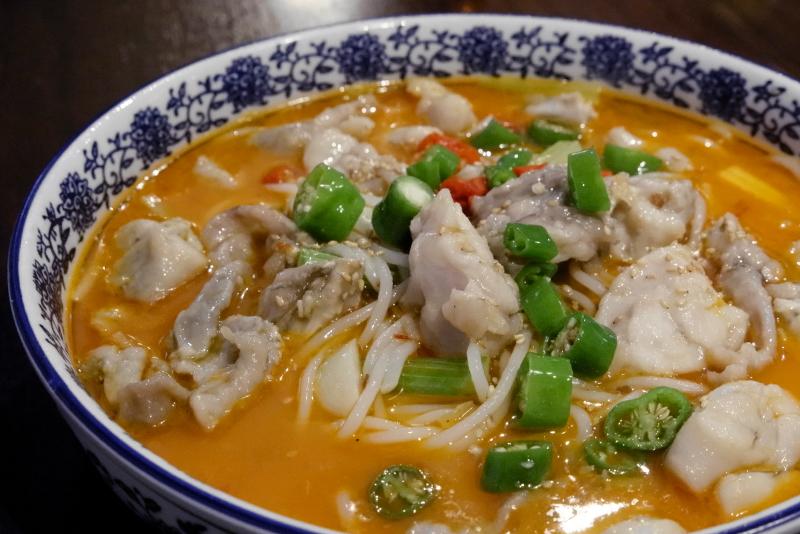 泡椒牛蛙 ウシガエルとビーフン山椒スープ煮物