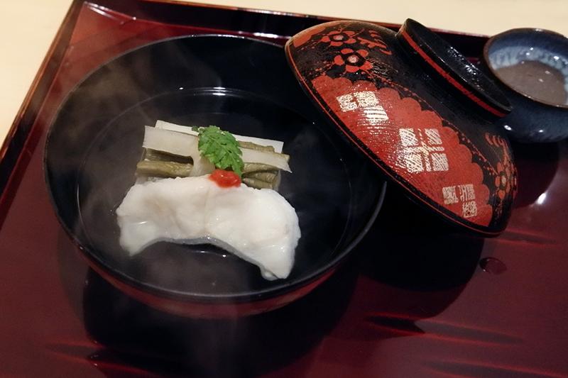 アイナメ、筍、京湯葉の椀