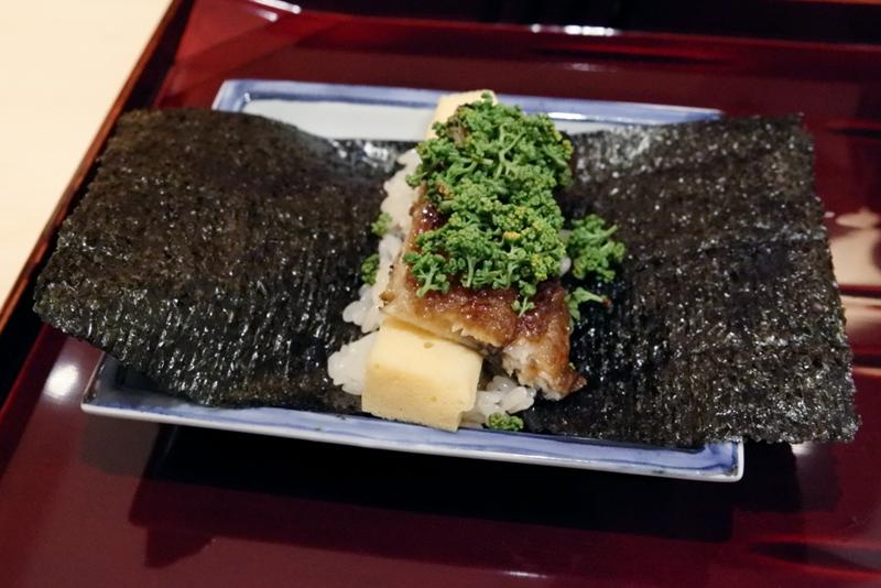 海鰻、玉子真薯、花山椒の手巻き寿司