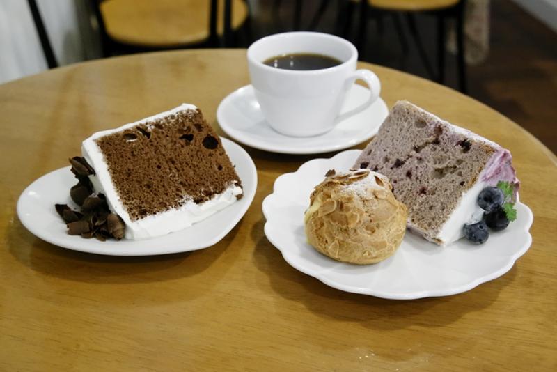 チョコレート、ブルーベリー、シュークリーム