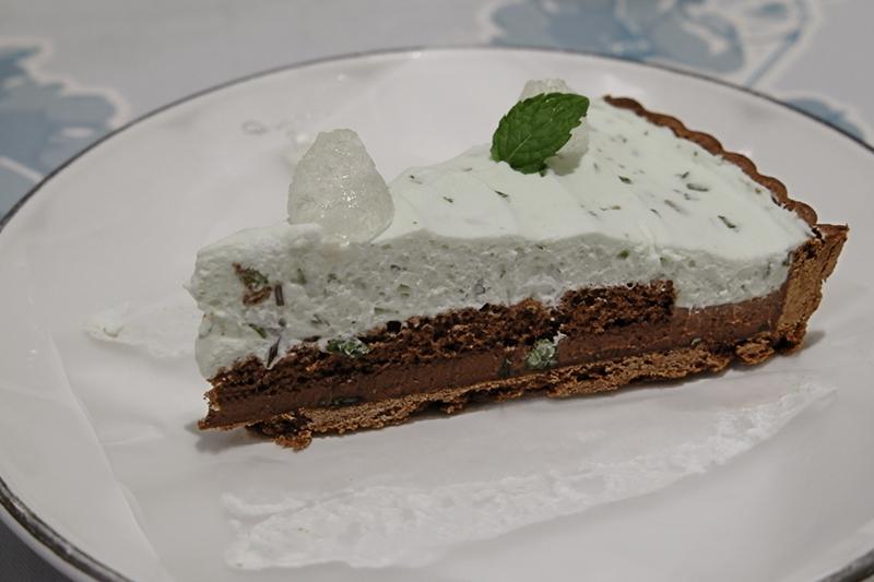 チョコレートとミントのタルト