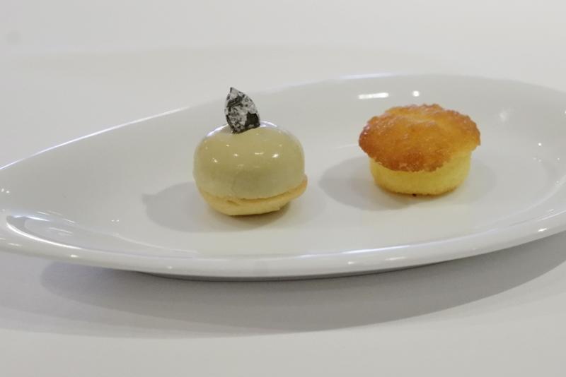 南瓜の種のオイルのムース、レモンケーキ