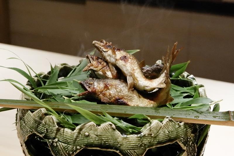 長野県天竜川の鮎の塩焼き