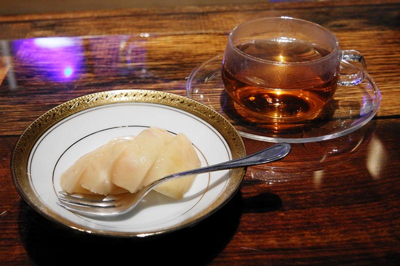 桃、ほうじ茶