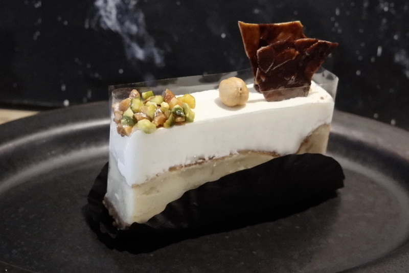 カマンベールとマスカルポーネ、二層のチーズケーキ
