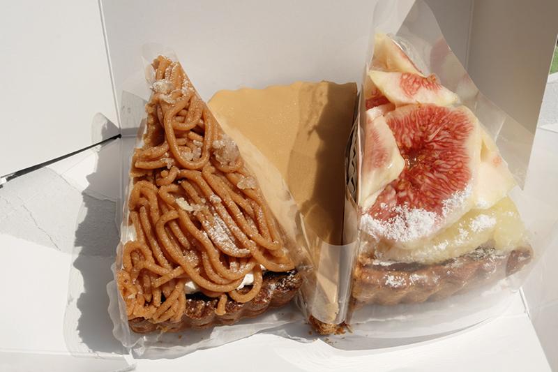 いちじくクラフティーパイ、キャラメルチョコチーズ、イタリア栗のモンブランタルト